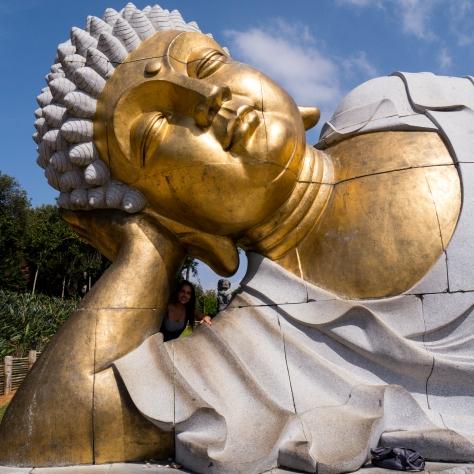 Cabeça de Buda deitado